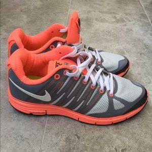 Women's Nike Fitsole Sneakers Size 9